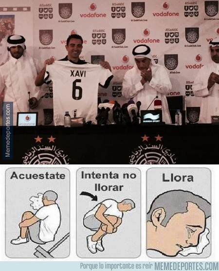 580949 - Aficionados del Barça al ver la presentación de Xavi en Qatar
