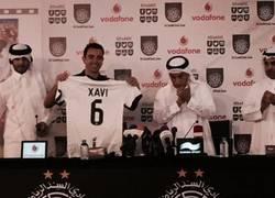 Enlace a Aficionados del Barça al ver la presentación de Xavi en Qatar