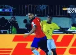 Enlace a GIF: Así fue la acción del penalti ¿De verdad es penalti?