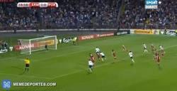 Enlace a GIF: Penalti anotado por Cristiano que empata el partido, intentad fingir sorpresa