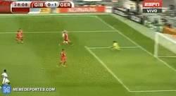 Enlace a GIF: Gol de Schürrle a Gibraltar