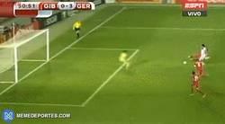 Enlace a GIF: Gundogan marca el tercero para Alemania