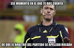 Enlace a Los madridistas van con el árbitro del Argentina-Paraguay