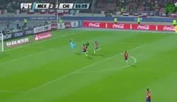 Enlace a GIF: Gol de Vuoso y México empata a 3, ¡PAR-TI-DA-ZO!