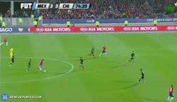 Enlace a GIF: Alexis marcándose un 'Messi'