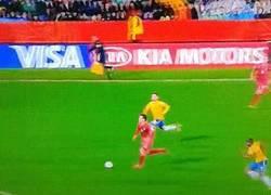 Enlace a GIF: Y con este gol a los 118' minutos, Serbia se coronaba campeón del mundial sub-20