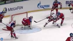 Enlace a GIF: ¿Jugar al hockey hielo sin tocar el suelo? Challenge accepted