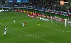 Enlace a GIF: Segundo gol de Guerrero frente a Bolivia