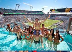 Enlace a El mejor lugar para ver un partido de NFL ¿Te gustaría ver así un partido de tu equipo?