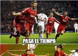 Enlace a Gerrard marca su primer gol con el LA Galaxy y lo celebra como siempre