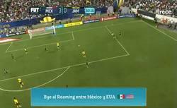 Enlace a GIF: Gol de México, el tercero contra Jamaica
