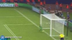 Enlace a GIF: Gol del Sevilla de penalti