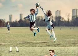 Enlace a Famosos momentos del fútbol con niños ¿Los reconoces?
