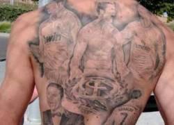 Enlace a Muy loco: Un aficionado se tatúa cinco momentos de CR7