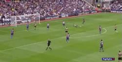 Enlace a GIF: El golazo de Giroud frente al Crystal Palace