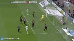 Enlace a GIF: Dost se estrena en liga marcando el Dost-cero para el Wolfsburgo