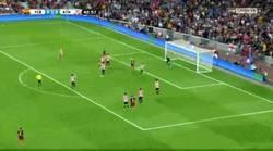 Enlace a GIF: ¡Gol de Leo Messi que adelanta al Barça!