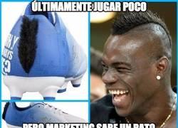 Enlace a Balotelli lanza una línea de botas de fútbol para niños con una cresta como la suya