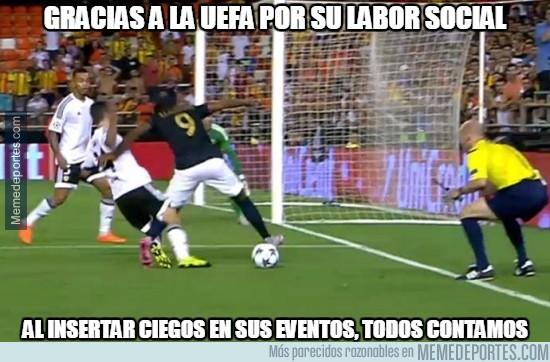 662156 - Gracias a la UEFA por su labor social