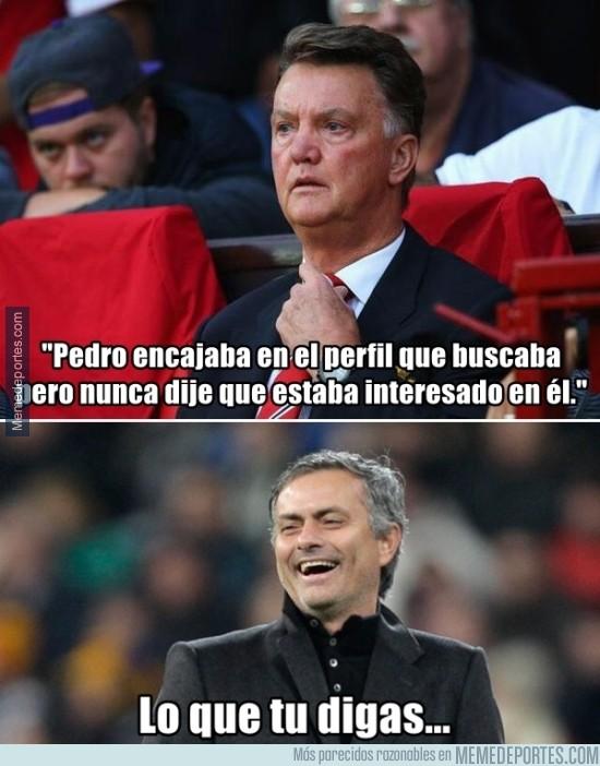 663482 - Mourinho se parte de risa
