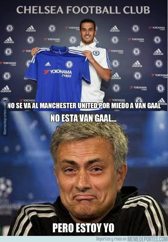 663698 - No se marcha al Chelsea por Van Gaal...