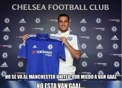 Enlace a No se marcha al Chelsea por Van Gaal...