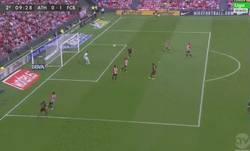 Enlace a GIF: Gol de Suárez al Athletic, muy buen gol