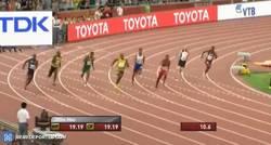 Enlace a GIF: Así ganó Bolt el oro en los 200m