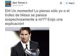 Enlace a El nadador paralímpico Xavi Torres hace una broma sobre el trofeo de Messi