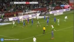 Enlace a GIF: El golazo de Tim Klose ante el Schalke 04