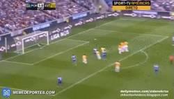 Enlace a GIF: El golazo de falta de Maicon con el Porto al Estoril