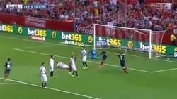 Enlace a GIF: Gol de Koke frente al Sevilla