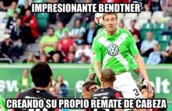 Enlace a Increible Bendtner marcando estilo propio