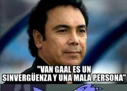 Enlace a Hugo Sánchez pasa al ataque