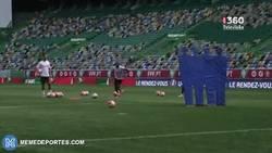 Enlace a GIF: Golazos de tiro libre de CR7, Quaresma y Nani en el entrenamiento. ¿Y en el partido qué?
