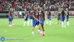 Enlace a GIF: La reacción de Cristiano Ronaldo tras escuchar gritos de '¡Messi, Messi, Messi!' en Albania