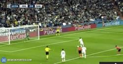 Enlace a GIF: Gol de Cristiano, igual que el primero