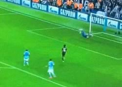 Enlace a GIF: Golazo de Morata para la remontada de la Juventus