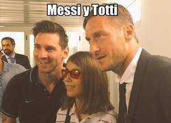 Enlace a Buen gesto de Messi y Totti