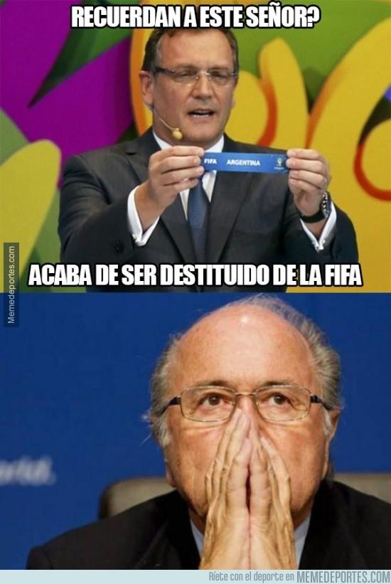 688730 - Blatter se está quedando solo