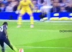 Enlace a GIF: El buen gol de Victor Moses para acabar con la imbatibilidad de portería a 0 del City