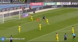 Enlace a GIF: El gol de Icardi para poner más lider al Inter en la Serie A