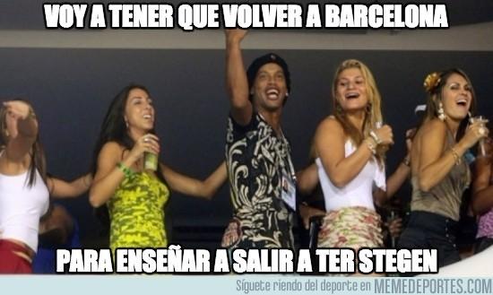 692428 - Ronaldinho planea su vuelta a Barcelona