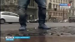 Enlace a GIF: Hulk bailó en una plaza de San Petersburgo para recaudar fondos para niños con leucemia