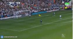 Enlace a GIF: Buen gol de Kevin de Bruyne para adelantar al City frente al Tottenham