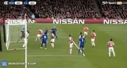 Enlace a GIF: El absurdo gol en propia de Ospina anoche
