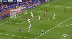 Enlace a GIF:  Gol de Sergi Roberto ante el Leverkusen