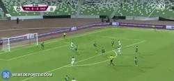 Enlace a GIF: Gol de Xavi en Qatar, da gusto verle seguir jugando