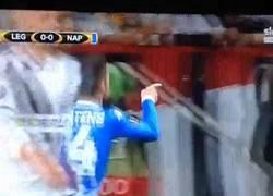 Enlace a GIF: Gol de Mertens para poner en ventaja al Napoli