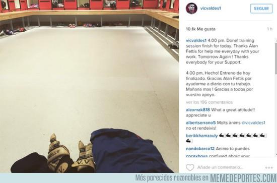 701791 - Hay imágenes tristes, luego está Víctor Valdés entrenando solo en Manchester